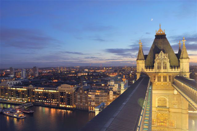 Tower Bridge: Ξενάγηση στην εντυπωσιακή γέφυρα του Λονδίνου