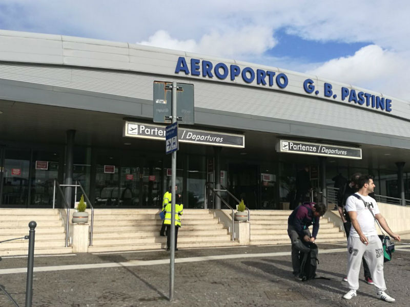 Προσοχή! Κλειστό το αεροδρόμιο Τσιαμπίνο λόγω φωτιάς