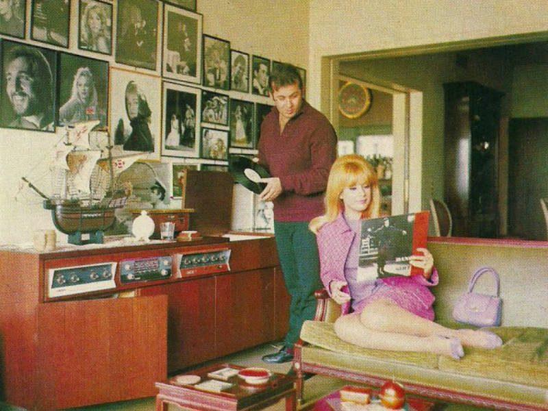 Γνωρίστε το διαμέρισμα που διέμεναν η Αλίκη Βουγιουκλάκη και ο Δημήτρης Παπαμιχαήλ!