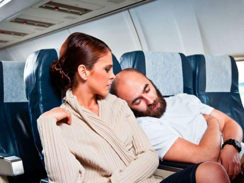 Expedia έρευνα: Τι ενοχλεί περισσότερο τους ταξιδιώτες σε πτήσεις και ξενοδοχεία