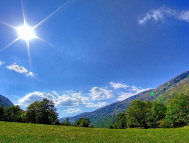 Καιρός: Με άνοδο της θερμοκρασίας και λιακάδες ξεκινάει η εβδομάδα