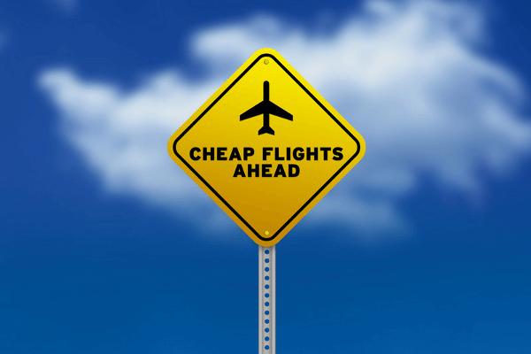 low cost αεροπορικές εταιρείες για φθηνά εισιτήρια
