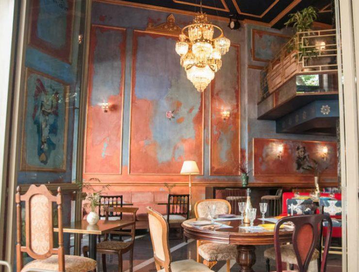 """Σε αυτό το μαγαζί στο κέντρο της Αθήνας θα φάτε """"βασιλικό"""" brunch!"""