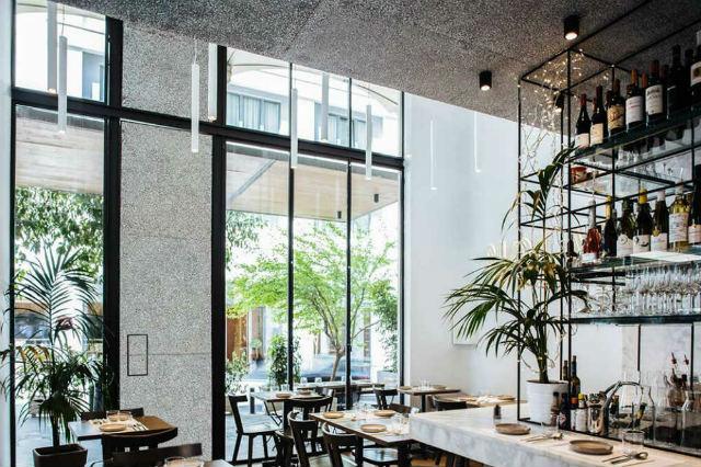 Σε αυτά τα εστιατόρια θα φάτε από τα χεράκια των κριτών του Master Chef!