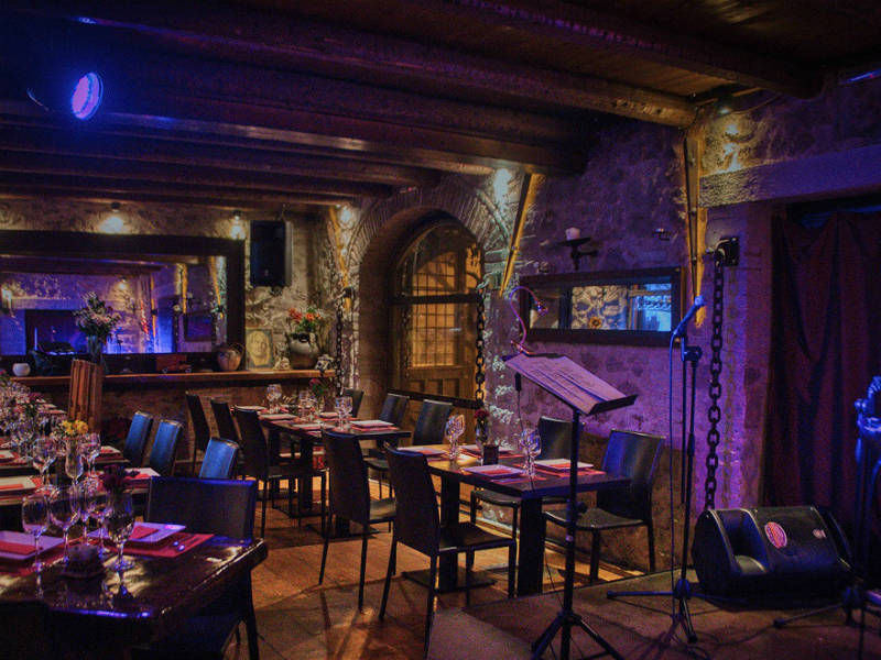 Piedra: Γνωρίστε το μοναδικό opera εστιατόριο της Αθήνας