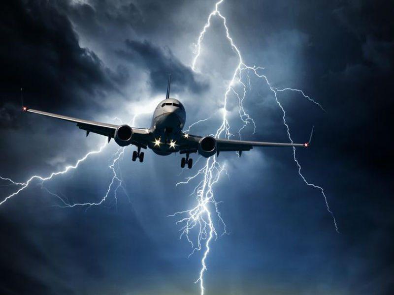 Δείτε εικόνες από την χθεσινή πτήση του τρόμου για Χανιά! (video)