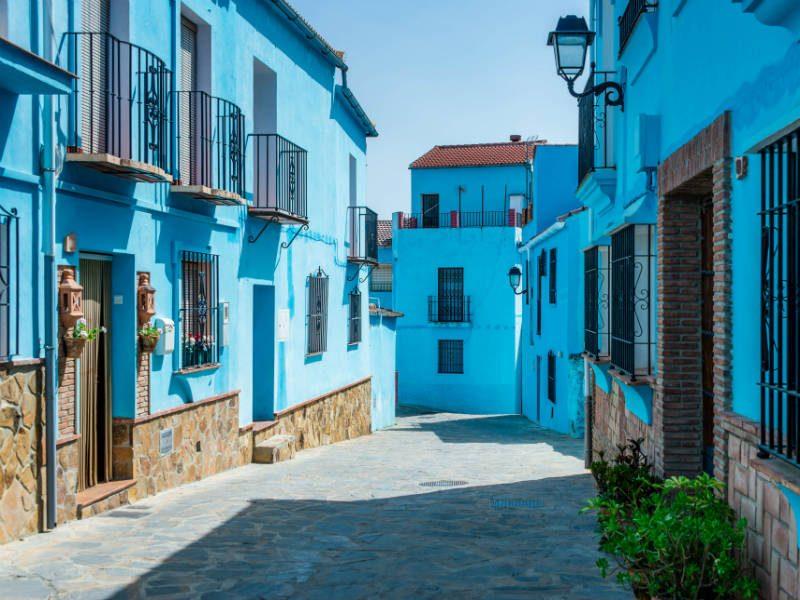 Το Στρουμφοχωριό υπάρχει στην πραγματικότητα και βρίσκεται στην Ισπανία!