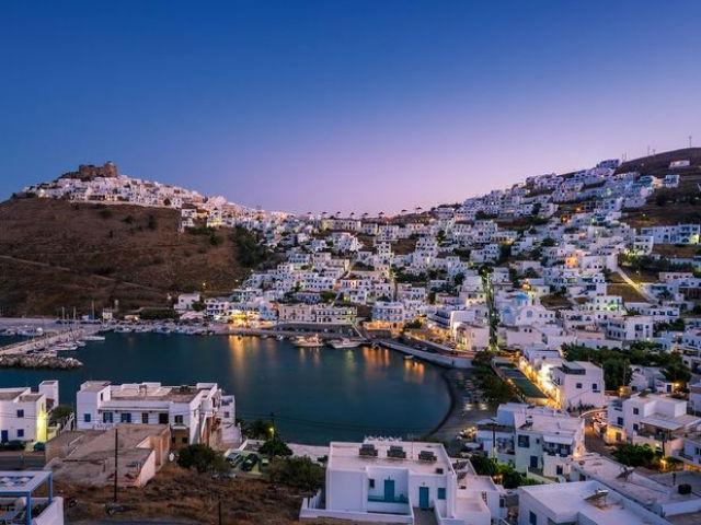 Το πρώτο ελληνικό νησί που απαγορεύει το κάπνισμα... παντού!