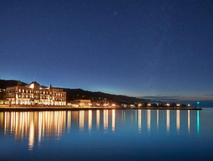Με θέα το Poseidonion Grand Hotel στις Σπέτσες
