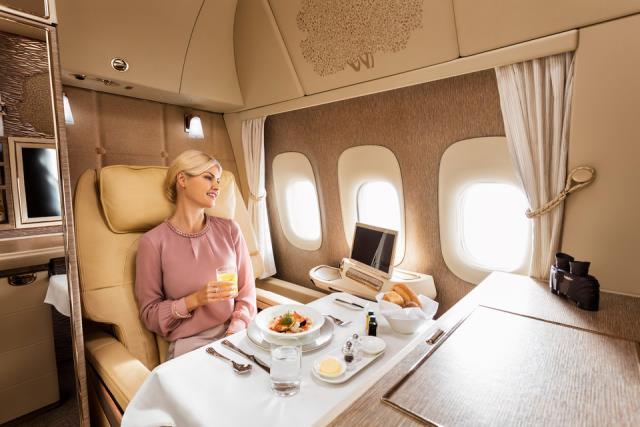 Emirates πρώτη θέση