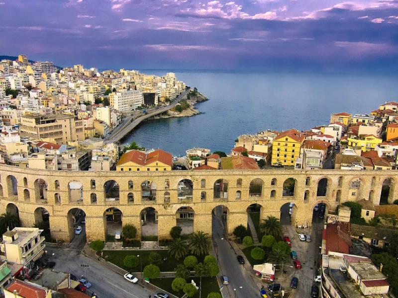 Καβάλα: Η γαλάζια πολιτεία της Μακεδονίας από ψηλά (video)