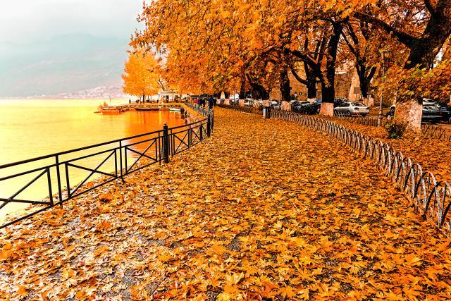 Η λίμνη Ιωαννίνων το φθινόπωρο