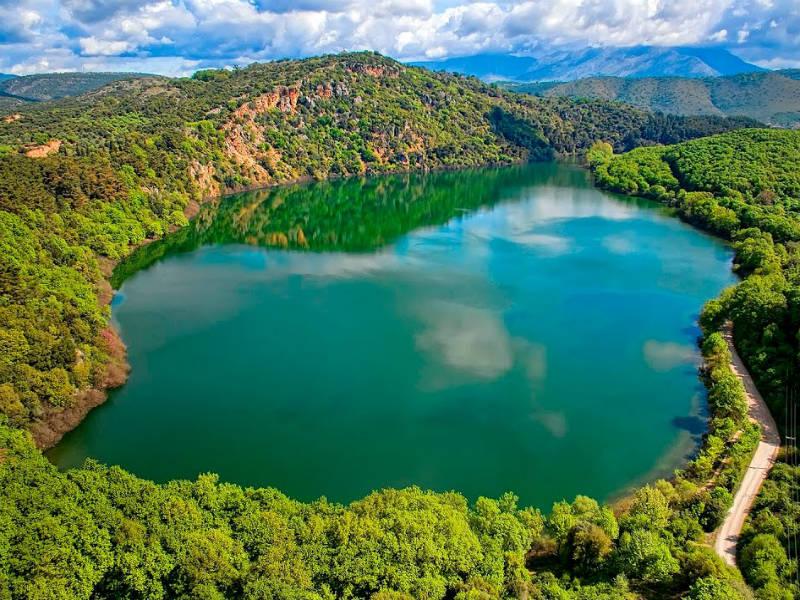 Η «μυστική» Λίμνη Ζηρού που τη συνοδεύουν… τροµακτικοί θρύλοι!
