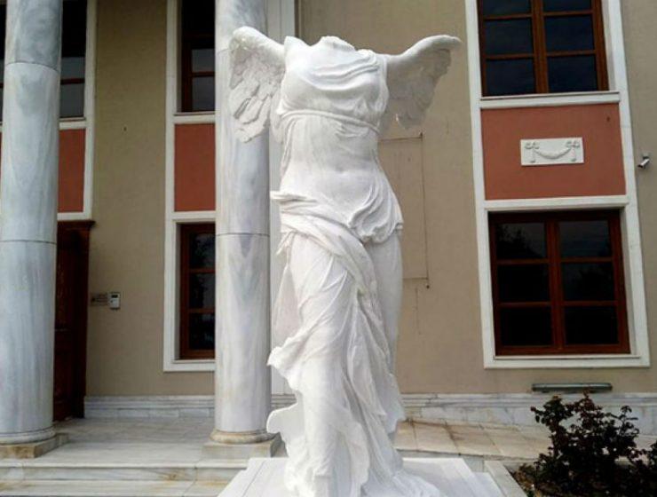"""Η """"επιστροφή"""" της Νίκης της Σαμοθράκης στην Ελλάδα!"""