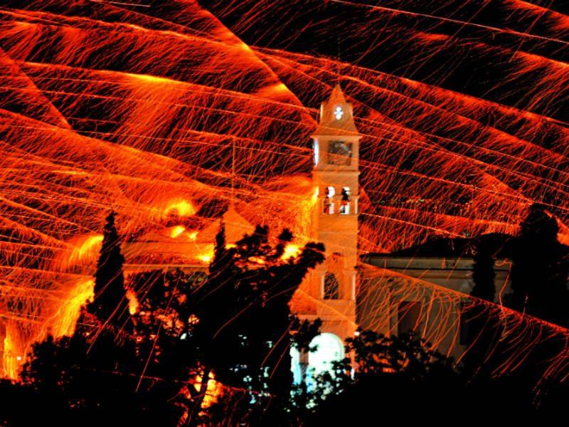 Χίος: Στο νησί της Μαστίχας για... εκρηκτικό Πάσχα!
