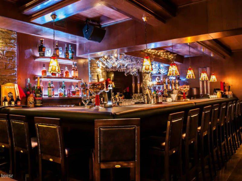 Arch Beer House: Η πιο γνωστή μπυραρία της Ελλάδας που μετράει 26 χρόνια παρουσίας!