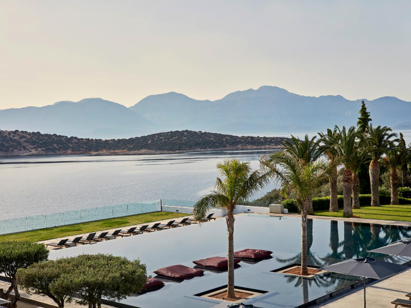 Μοναδικές πασχαλινές εμπειρίες σε Αθήνα και Κρήτη στα ξενοδοχεία της bluegr Hotels & Resorts!