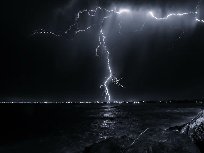 Καιρός - καταιγίδες, κεραυνοί