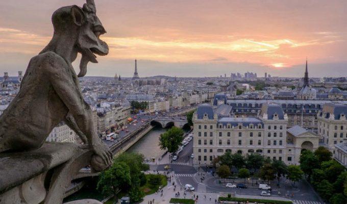 Παρίσι: Αλλαγές στις ξεναγήσεις της πόλης λόγω της πυρκαγιάς στην Παναγία των Παρισίων!