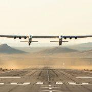 Stratolaunch: Η πρώτη πτήση του πιο μεγάλου αεροσκάφους στον κόσμο!
