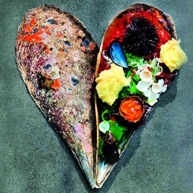 Εστατόριο Βασίλαινας, πιάτο