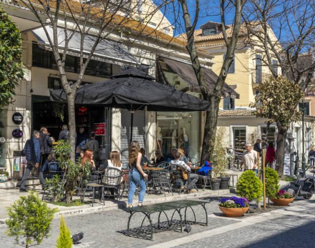 Καφετέρια bar στην Κέρκυρα, περαντζάδα