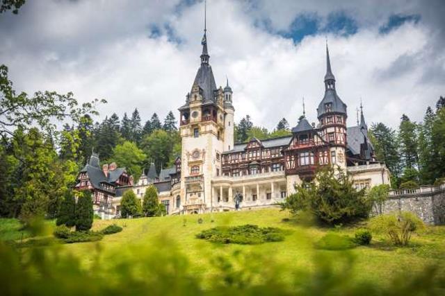 Κάστρο Πέλες, Ρουμανία