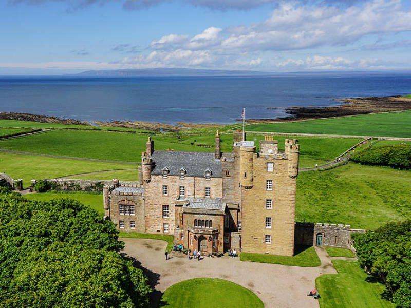 Ζήστε σαν βασιλιάδες στο νέο ξενοδοχείο του πρίγκιπα Κάρολου - Πόσο κοστίζει η διανυκτέρευση;