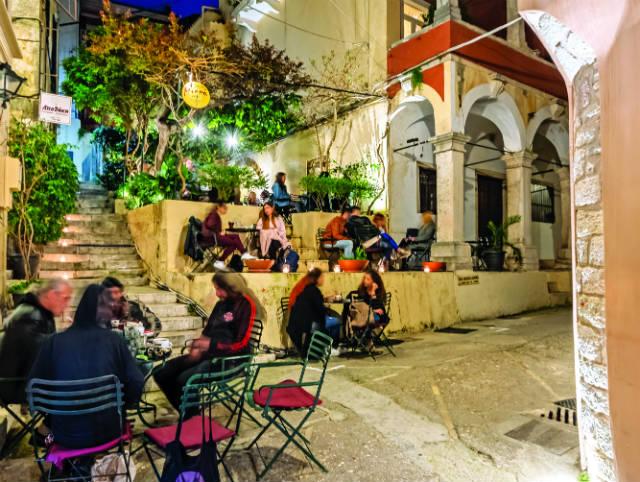 Mikro Cafe by night Κέρκυρα
