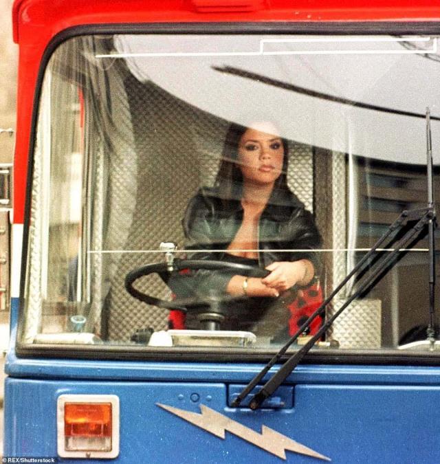 Η Victoria Beckam στο Spice Bus