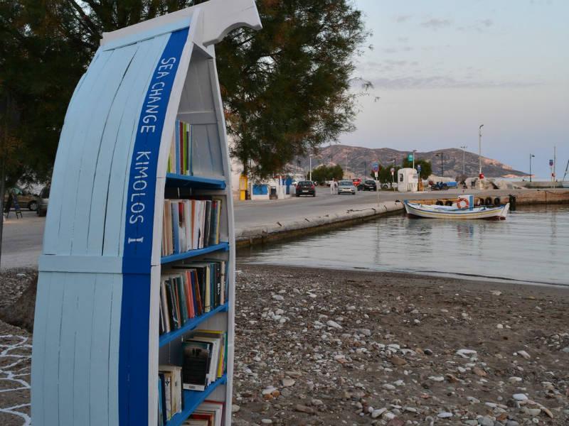 Κίμωλος: Βάρκες-βιβλιοθήκες σε παραλίες του νησιού!