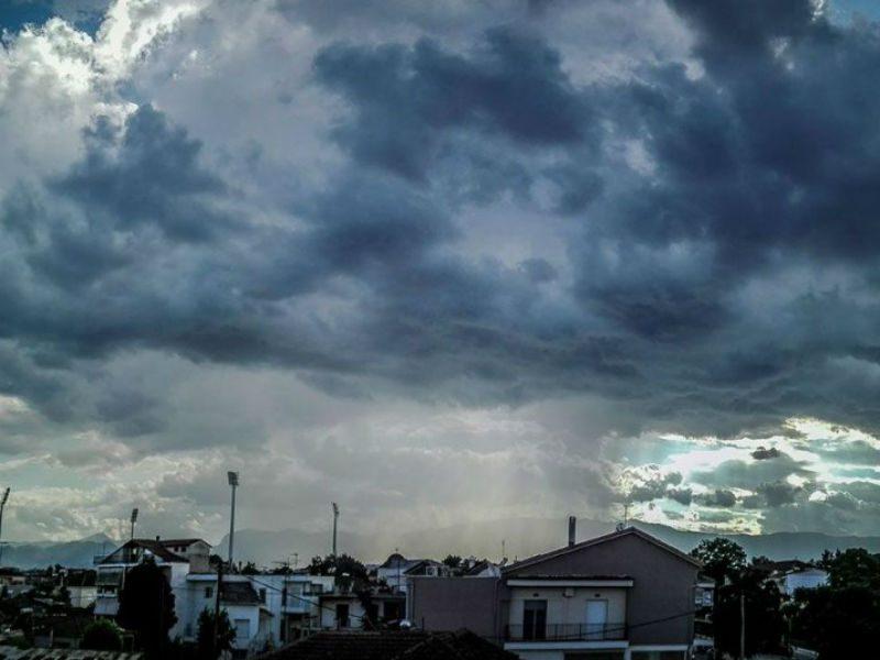 Συννεφιά - βροχή