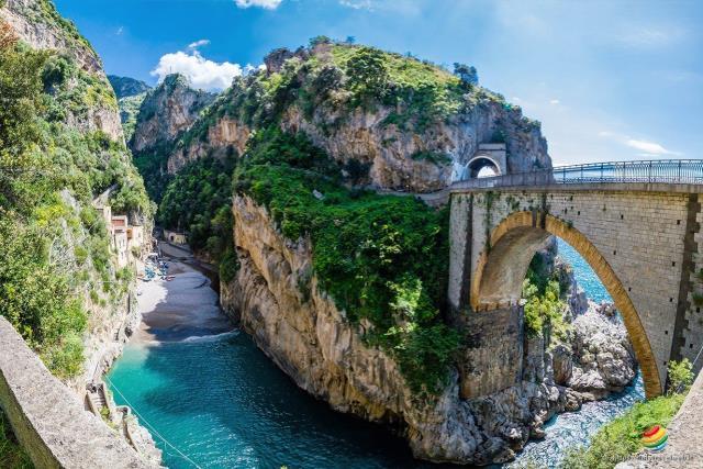 παραλία φιορδ Ιταλία