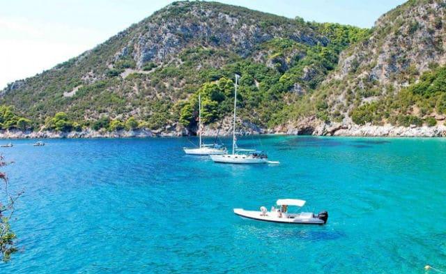 Αγκίστρι: Διακοπές με 50€
