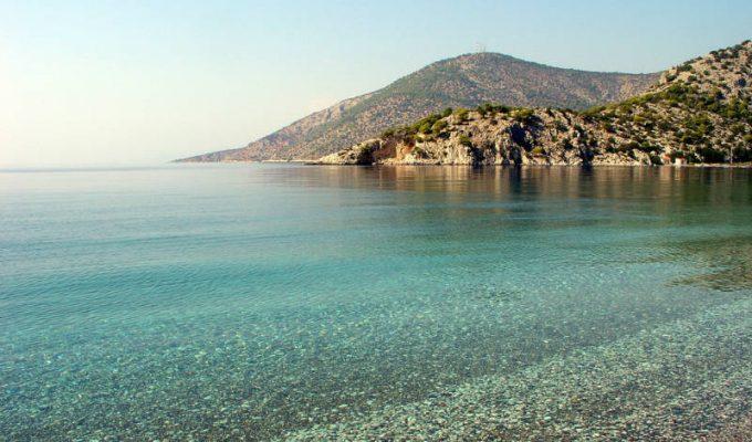Οι ακατάλληλες παραλίες της Αττικής!