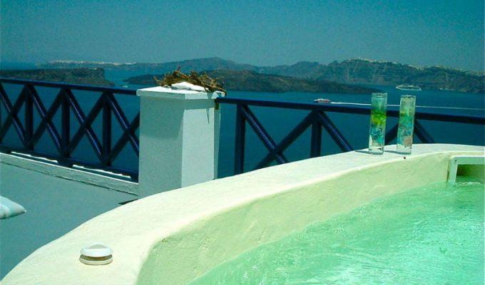 Στην Ελλάδα ένα από τα καλύτερα ξενοδοχεία στον κόσμο με τζακούζι!