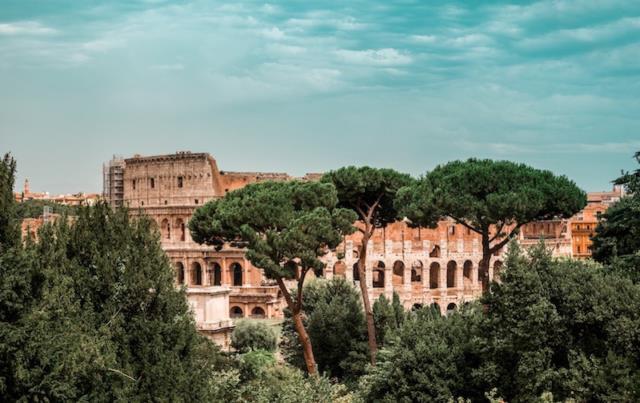 Το Κολοσσαίο της Ρώμης - 7 θαύματα του κόσμου