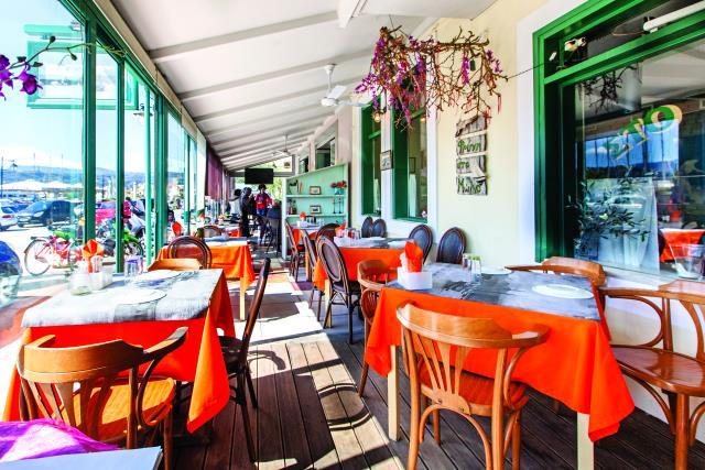 Φρύνη στο Μώλο - εστιατόριο Λευκάδα