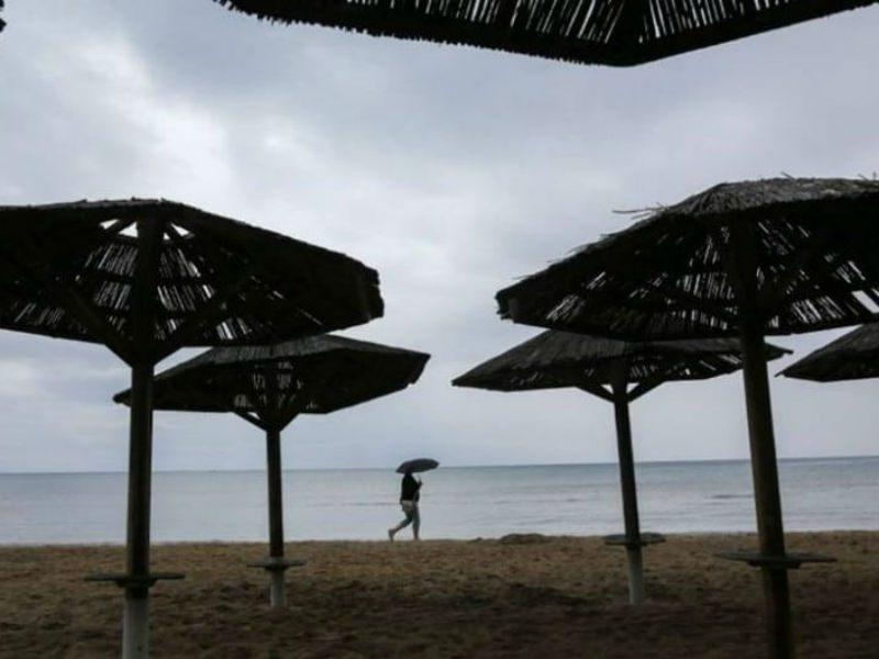 Παραλία - βροχερός καιρός