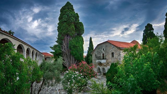 Μοναστήρι Παλαιό Τρίκερι