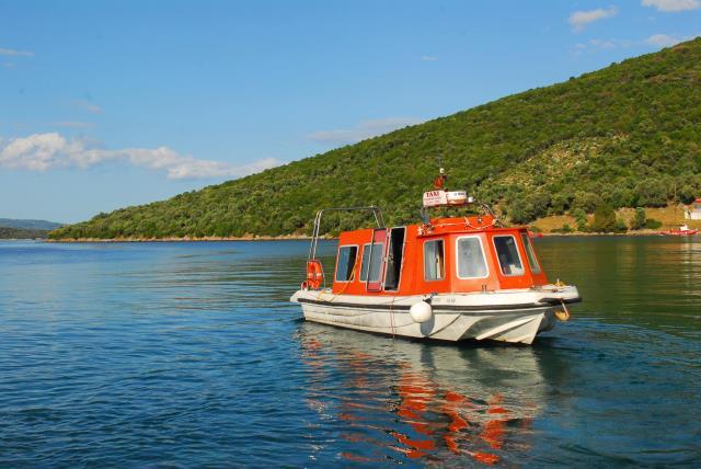 Παλαιό Τρίκερι - θαλάσσιο ταξί