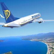 Ryanair, αεροσκάφος πάνω από τη θάλασσα
