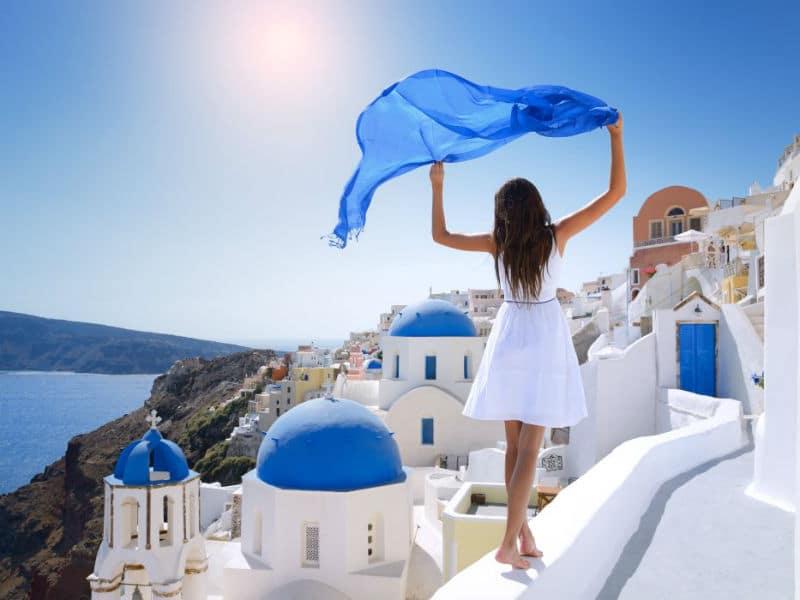 """Αυτοί είναι οι δημοφιλέστεροι προορισμοί της Ελλάδας που """"τρελαίνουν"""" τους τουρίστες!"""