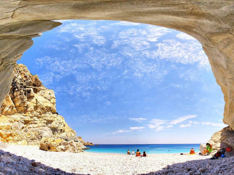 Διακοπές στην Ικαρία: Εκεί κρύβεται η πιο εξωτική παραλία της Ελλάδας!