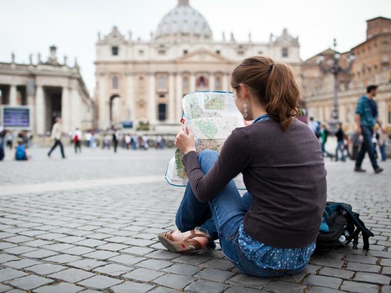 Ρώμη: Νέοι κανονισμοί και απαγορεύσεις για τους τουρίστες