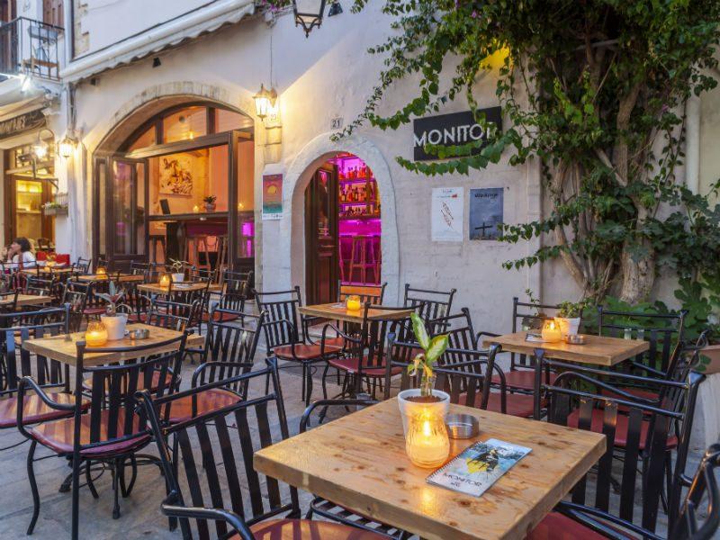 Monitor Art Café: Ένα άκρως γοητευτικό all day bar στο Ρέθυμνο!