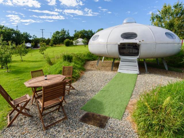 UFO Airbnb