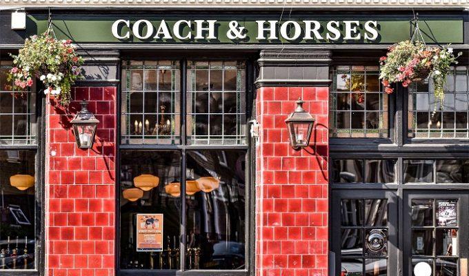 Παμπ Coach & Horses