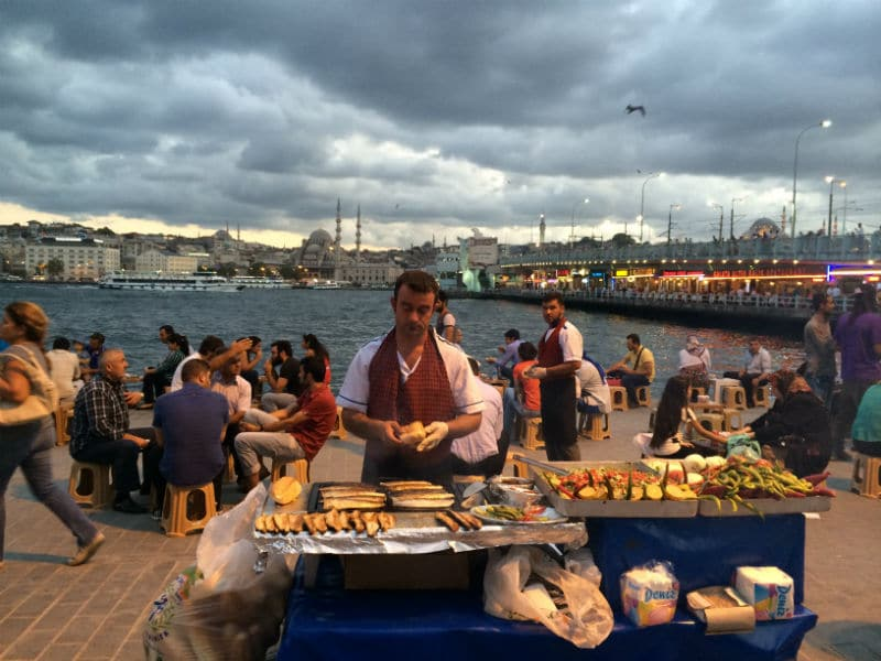 Food guide: 10+1 φαγητά που πρέπει οπωσδήποτε να δοκιμάσεις όταν πας στην Κωνσταντινούπολη