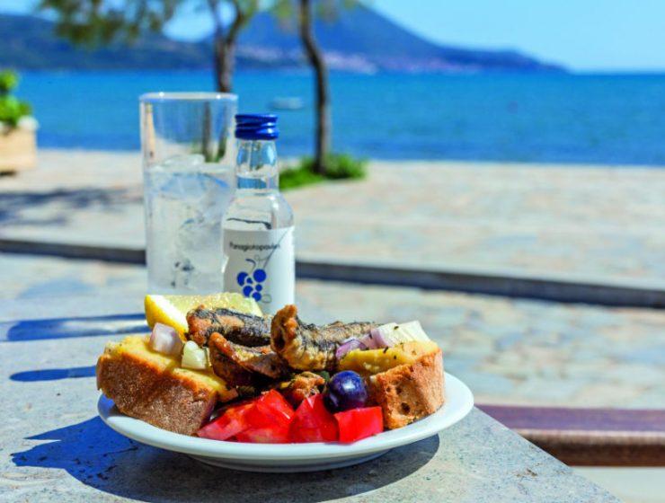 """Καλοκαιρινοί μεζέδες στην """"Ακτή""""! Ένα από πιο τα ειδυλλιακά μέρη της Μεσσηνίας!"""